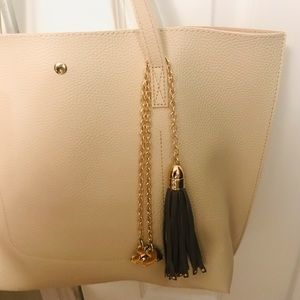 Purse accessory tassel and 2 hearts 💕 charm
